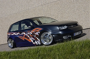 VW Golf tuning lak