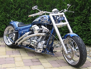 Yamaha Wild Star stavba Radical chopper